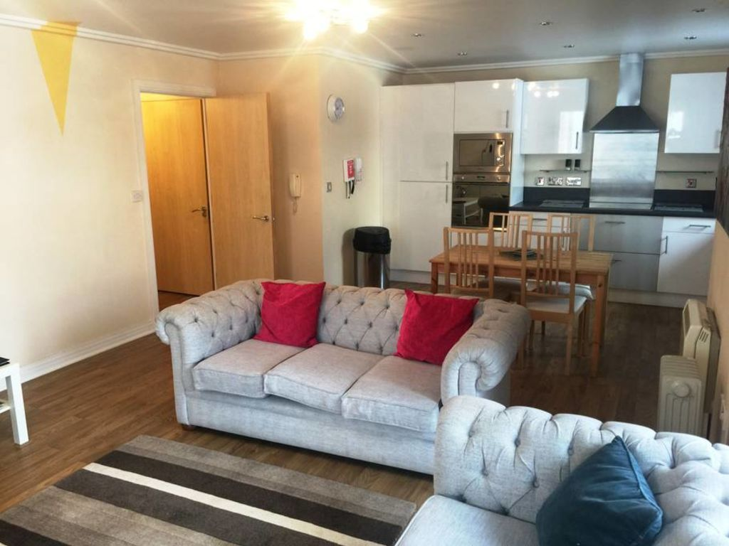 image 1 furnished 2 bedroom Apartment for rent in Basingstoke and Deane, Hampshire