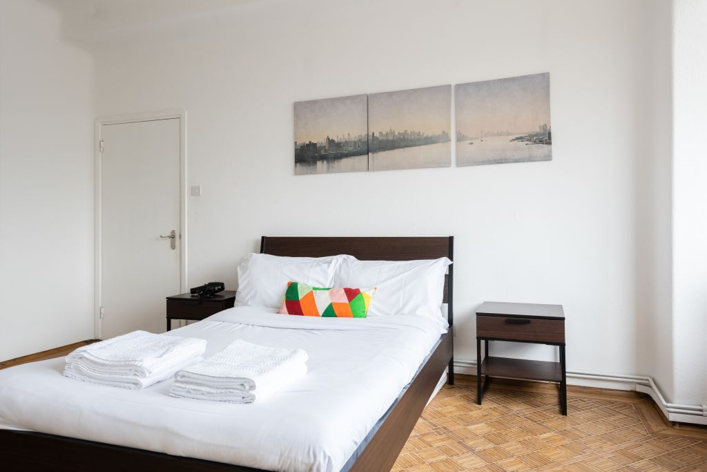 image 3 furnished 4 bedroom Apartment for rent in Bloomsbury, Camden