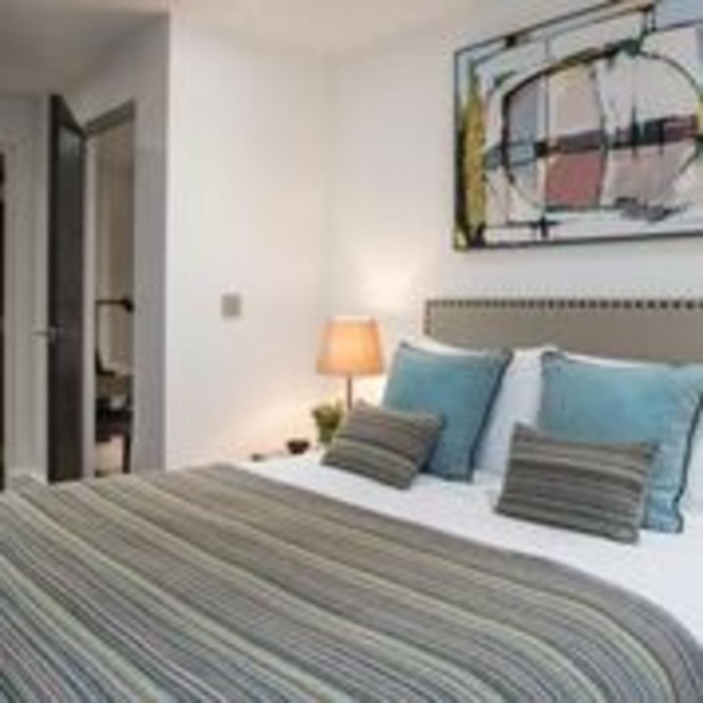 image 1 furnished 2 bedroom Apartment for rent in Clerkenwell, Islington