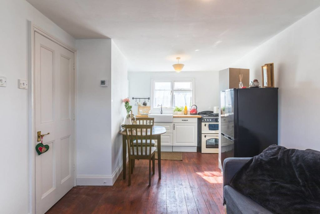 image 5 furnished 1 bedroom Apartment for rent in Harringay, Haringey