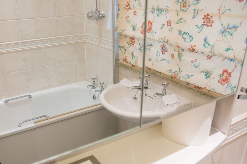 image 4 furnished 1 bedroom Apartment for rent in Windsor and Maidenhead, Berkshire