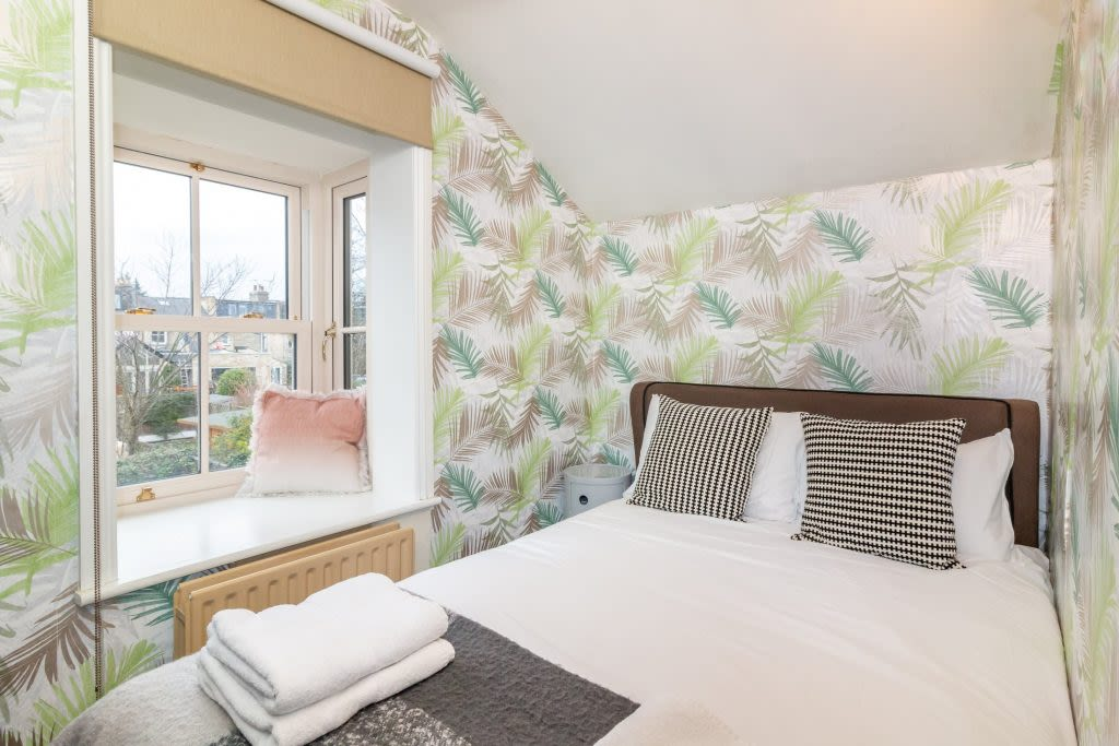 image 9 furnished 4 bedroom Apartment for rent in South Wimbledon, Merton
