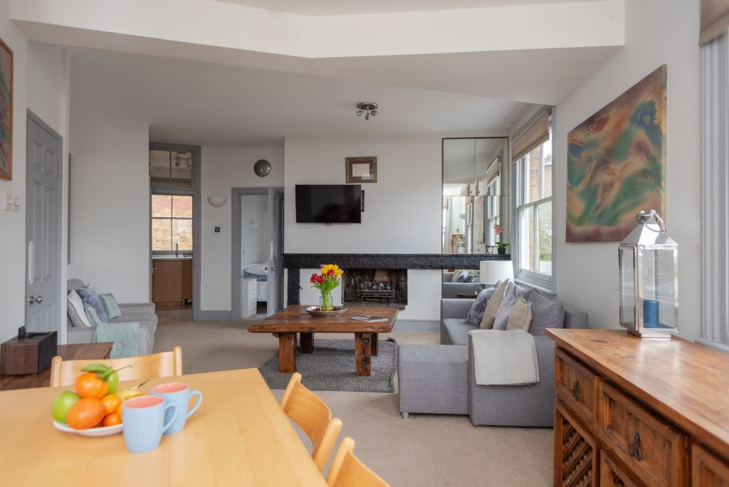 image 3 furnished 2 bedroom Apartment for rent in Hampstead, Camden