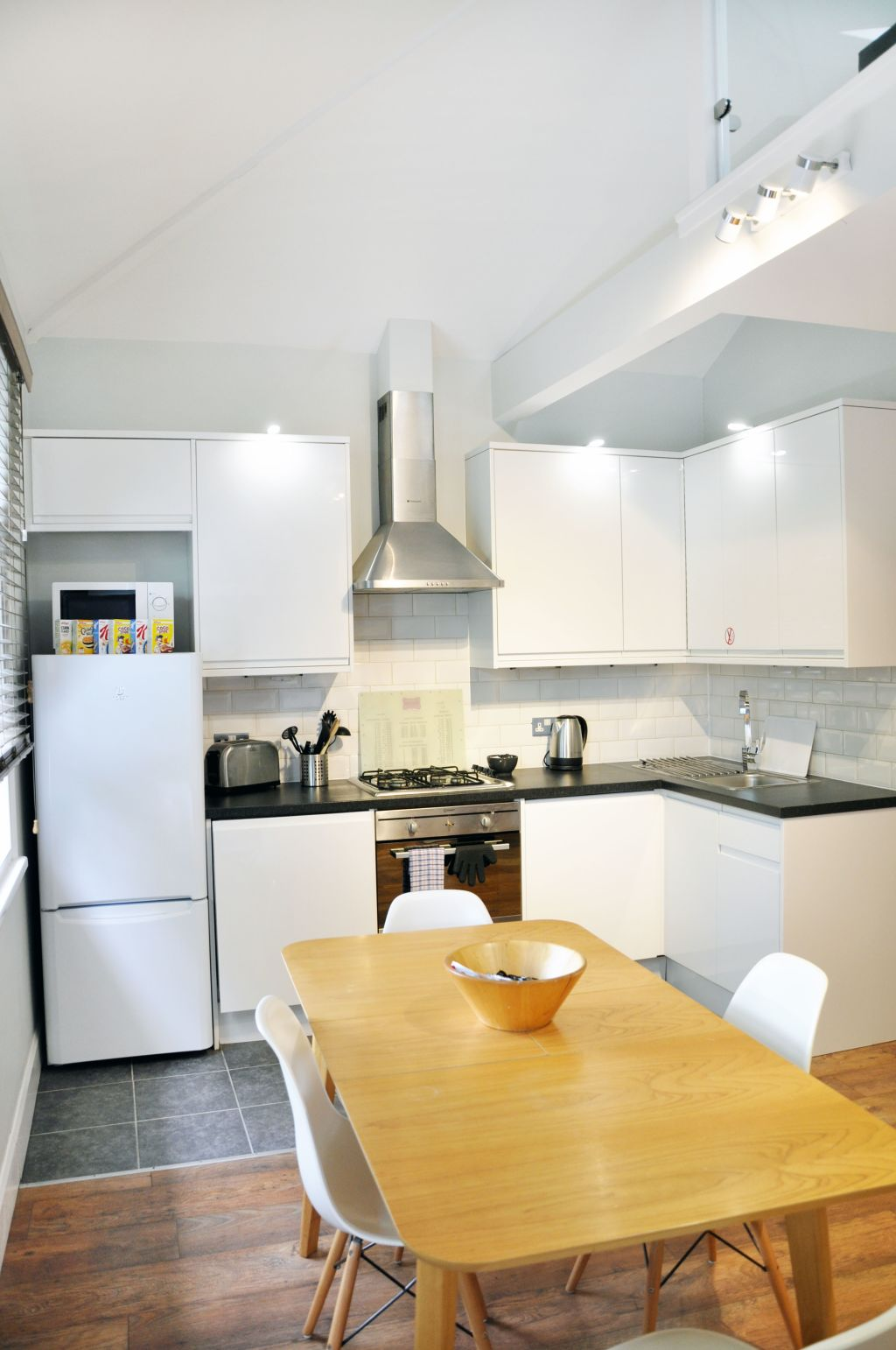 image 3 furnished 2 bedroom Apartment for rent in Hammersmith, Hammersmith Fulham