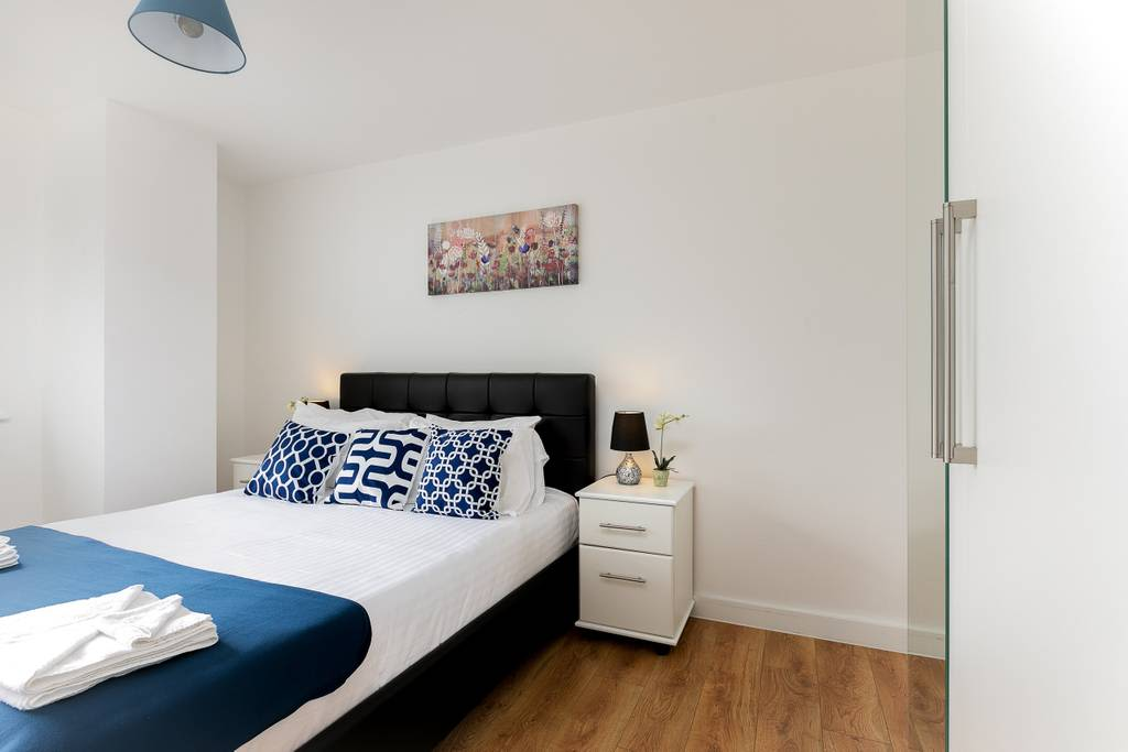 image 3 furnished 1 bedroom Apartment for rent in Enfield Town, Enfield
