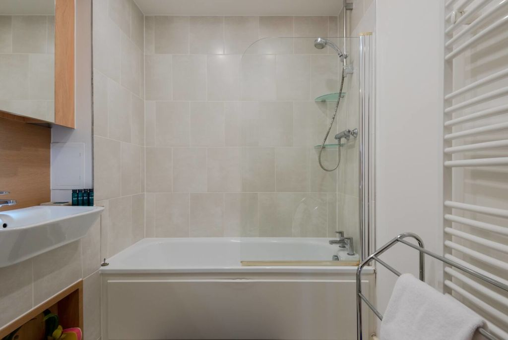 image 9 furnished 1 bedroom Apartment for rent in Bromley by Bow, Tower Hamlets