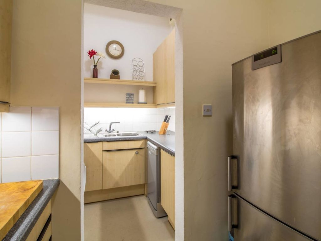 image 6 furnished 2 bedroom Apartment for rent in Edinburgh, Scotland