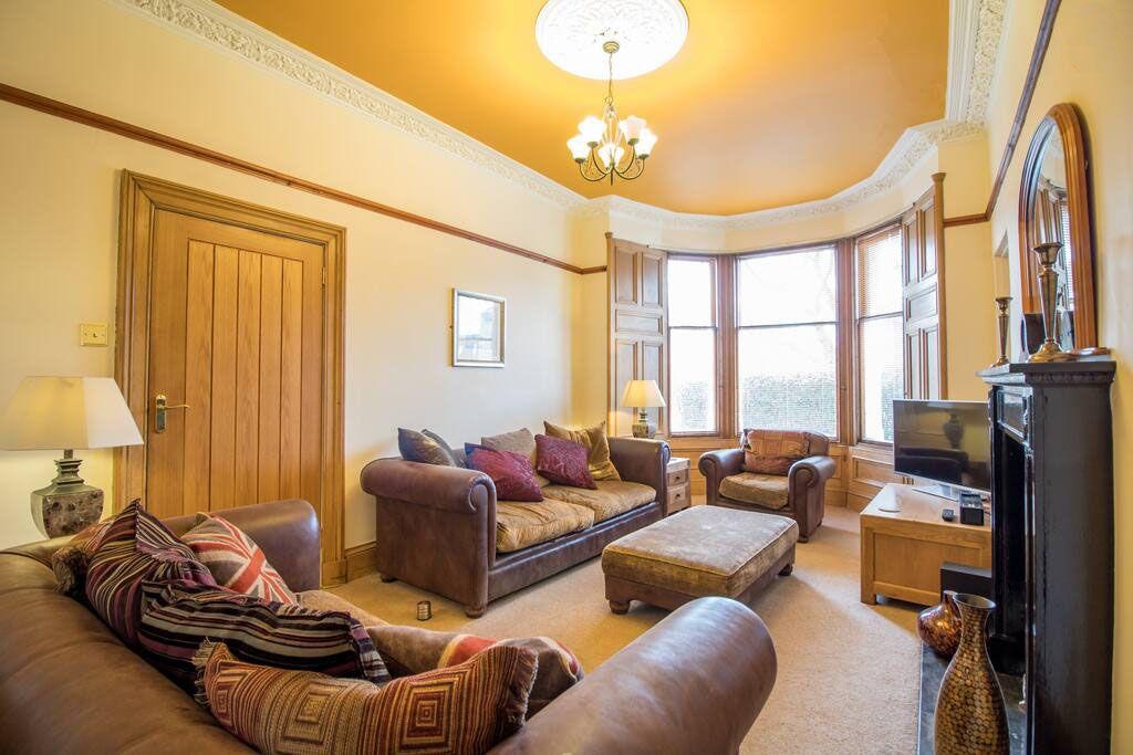 image 2 furnished 2 bedroom Apartment for rent in Edinburgh, Scotland