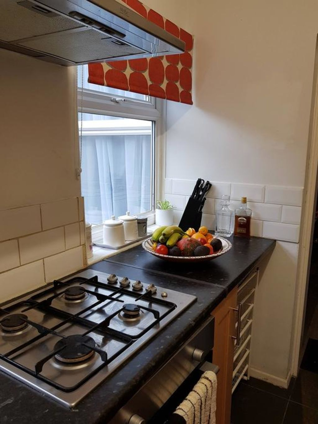 image 8 furnished 3 bedroom Apartment for rent in Luton, Bedfordshire