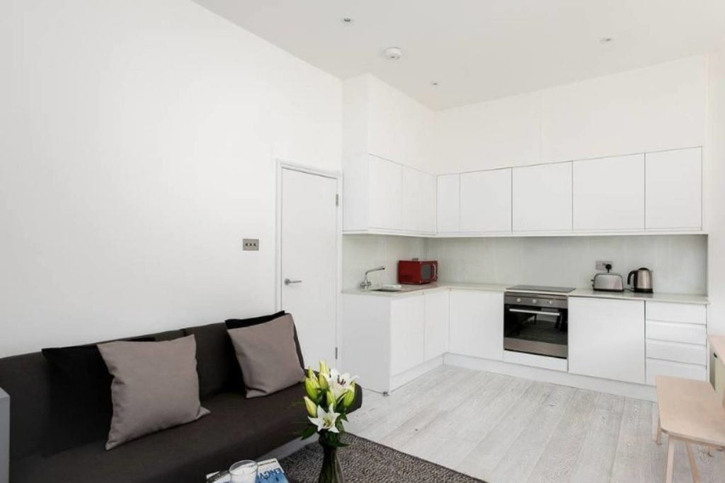 image 2 furnished 2 bedroom Apartment for rent in Hammersmith, Hammersmith Fulham