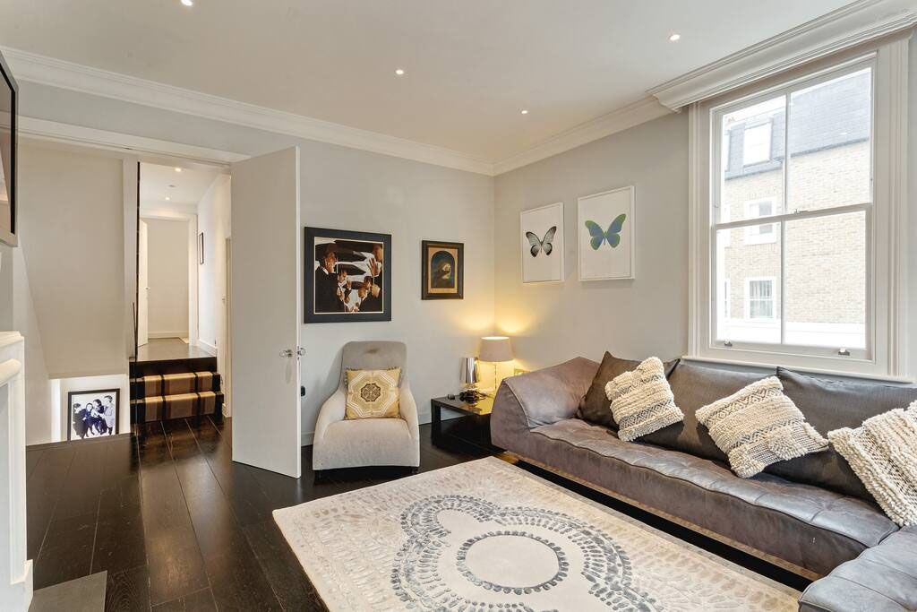 image 2 furnished 4 bedroom Apartment for rent in Chelsea, Kensington Chelsea
