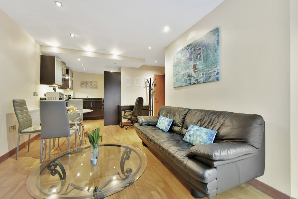 image 1 furnished 2 bedroom Apartment for rent in Limehouse, Tower Hamlets