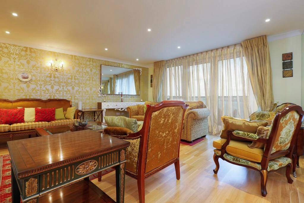 image 2 furnished 3 bedroom Apartment for rent in Cubitt Town, Tower Hamlets