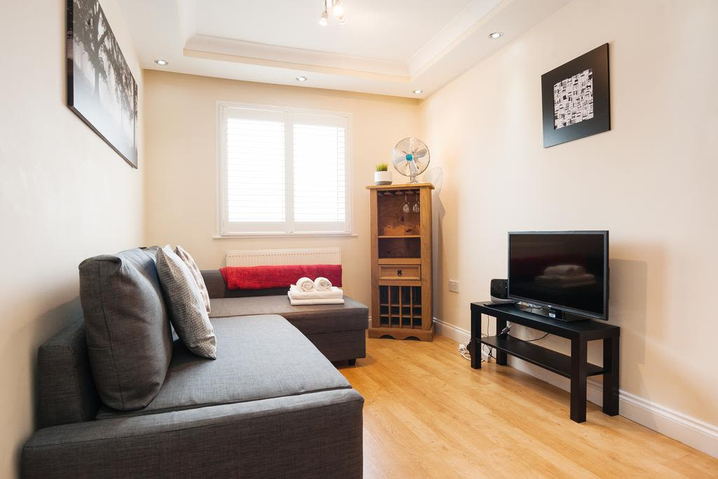 image 4 furnished 1 bedroom Apartment for rent in Finsbury, Islington