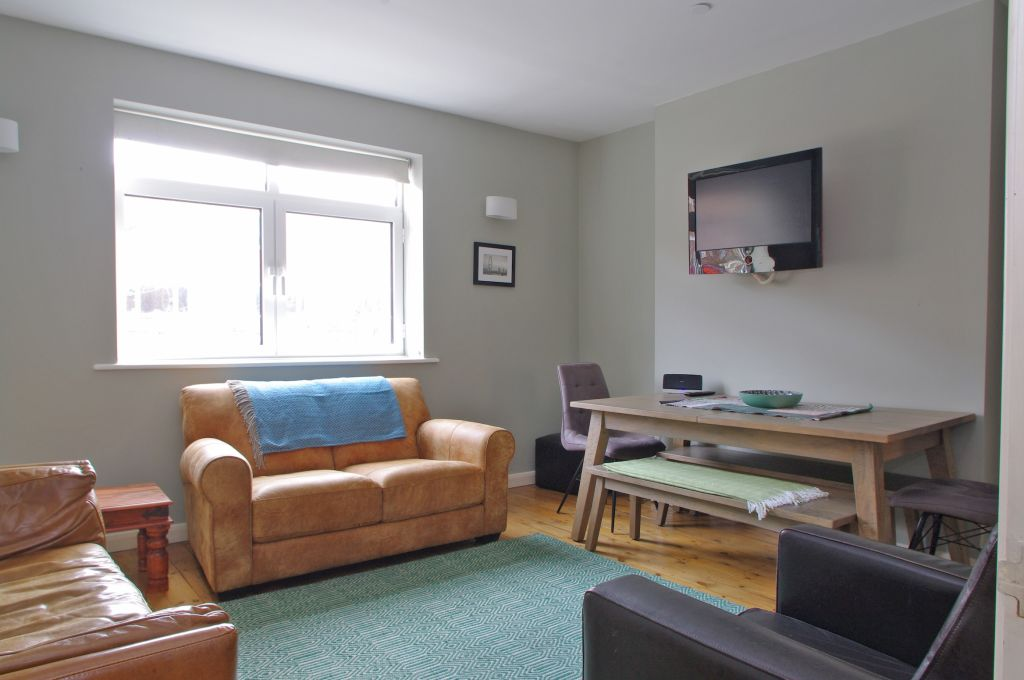 image 3 furnished 3 bedroom Apartment for rent in Lambeth, Lambeth