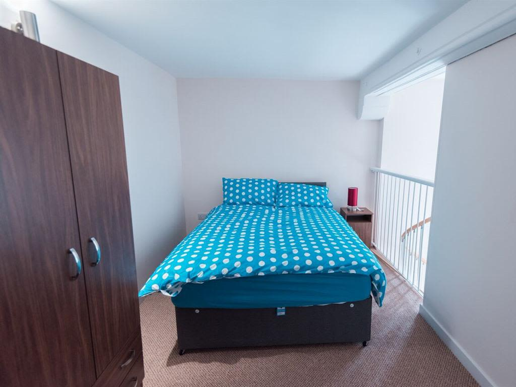 image 2 furnished 1 bedroom Apartment for rent in Kingston upon Hull, East Riding