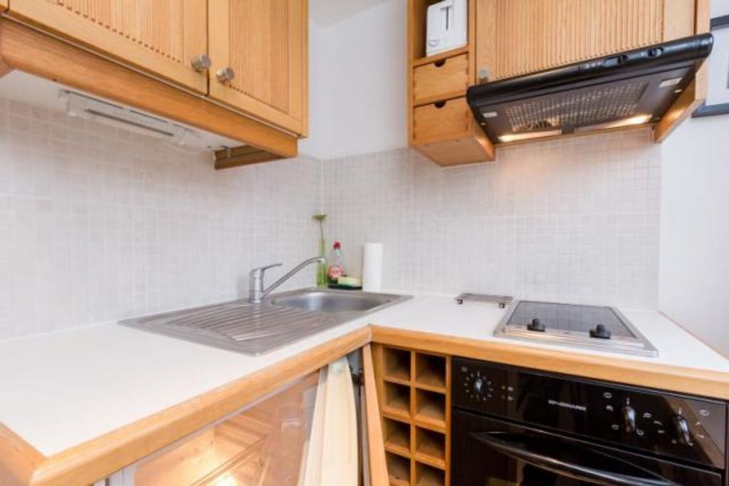 image 3 furnished 1 bedroom Apartment for rent in Camden Town, Camden