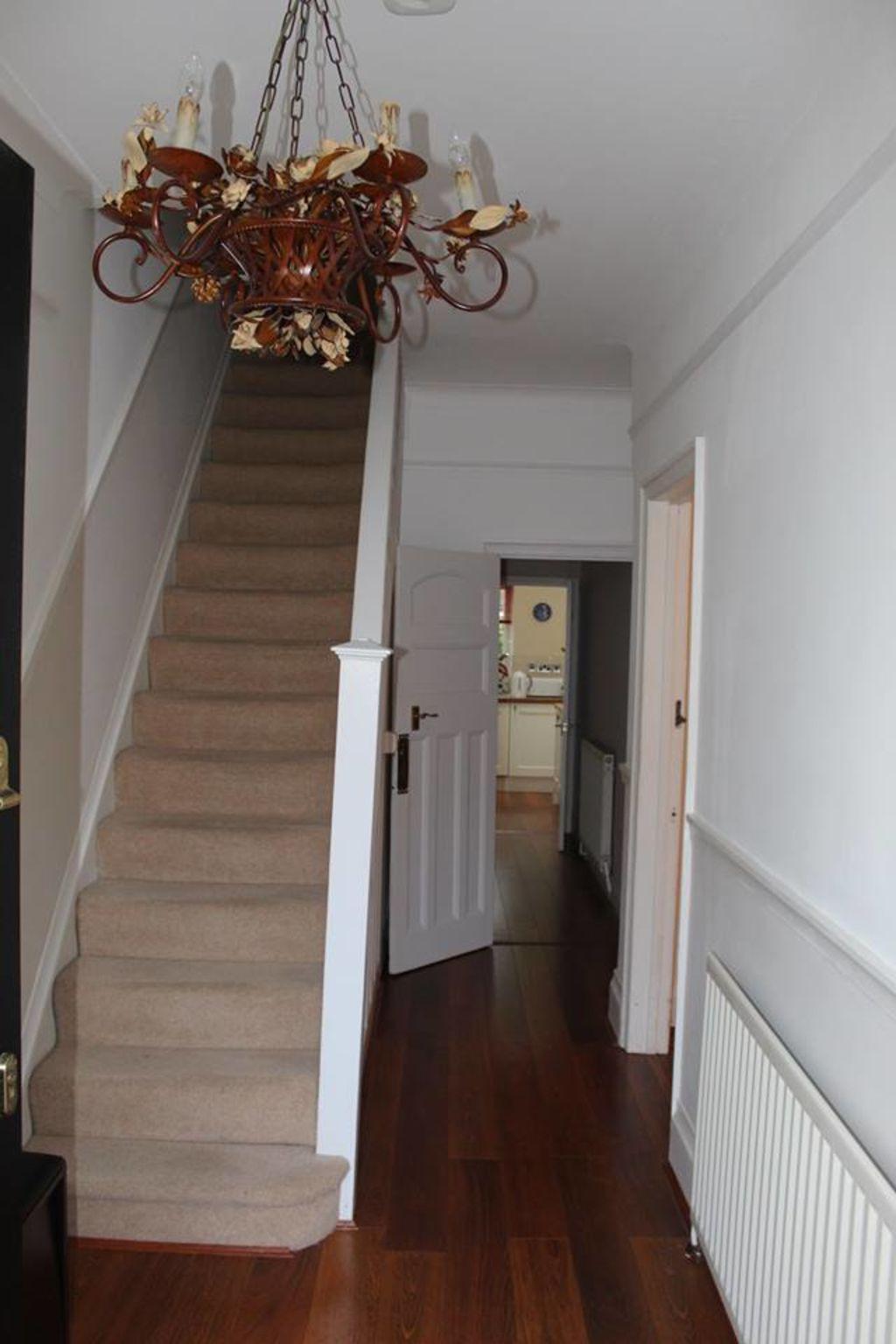 image 4 furnished 2 bedroom Apartment for rent in Croydon, Croydon