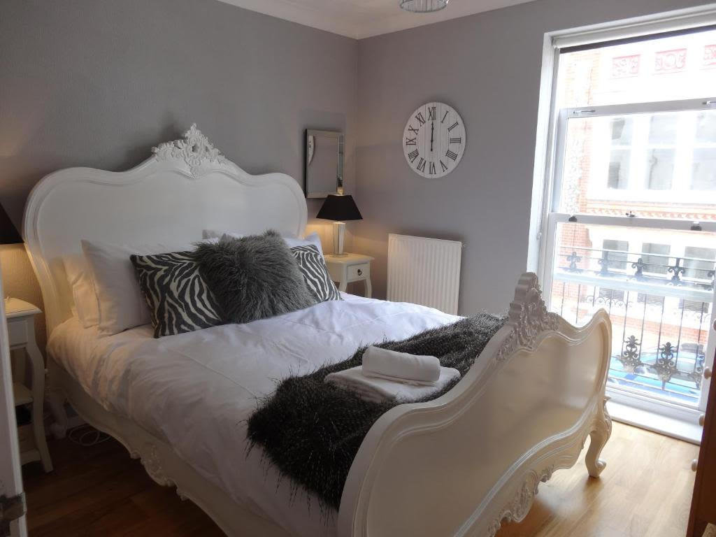 image 1 furnished 1 bedroom Apartment for rent in Brighton - Hove, East Sussex