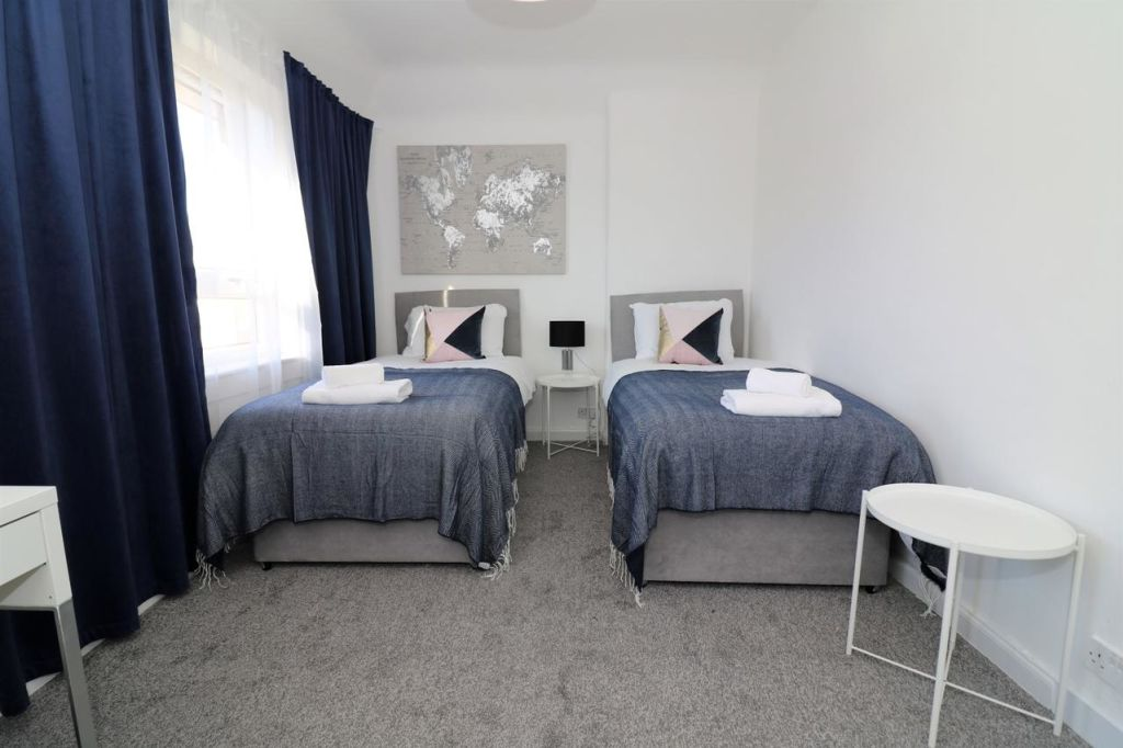 image 10 furnished 2 bedroom Apartment for rent in Renfrewshire, Scotland