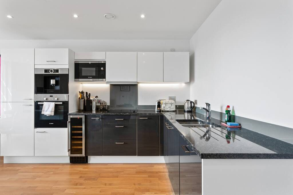 image 7 furnished 2 bedroom Apartment for rent in New Cross, Lewisham