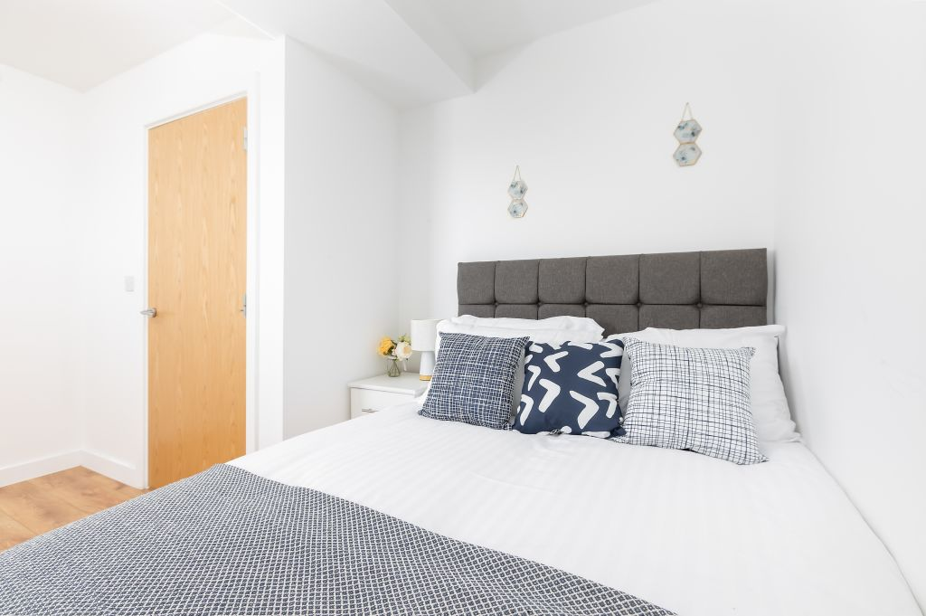 image 10 furnished 2 bedroom Apartment for rent in Enfield Town, Enfield