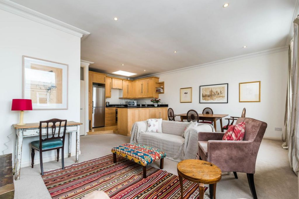 image 10 furnished 2 bedroom Apartment for rent in Earls Court, Kensington Chelsea