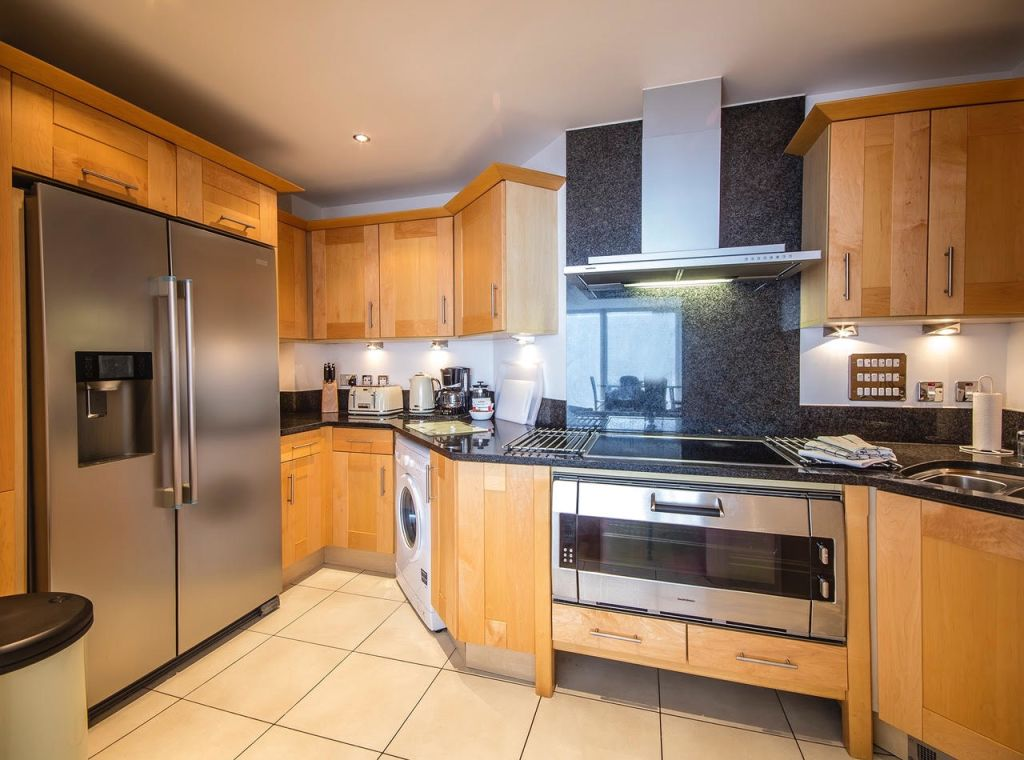 image 6 furnished 3 bedroom Apartment for rent in Sands End, Hammersmith Fulham