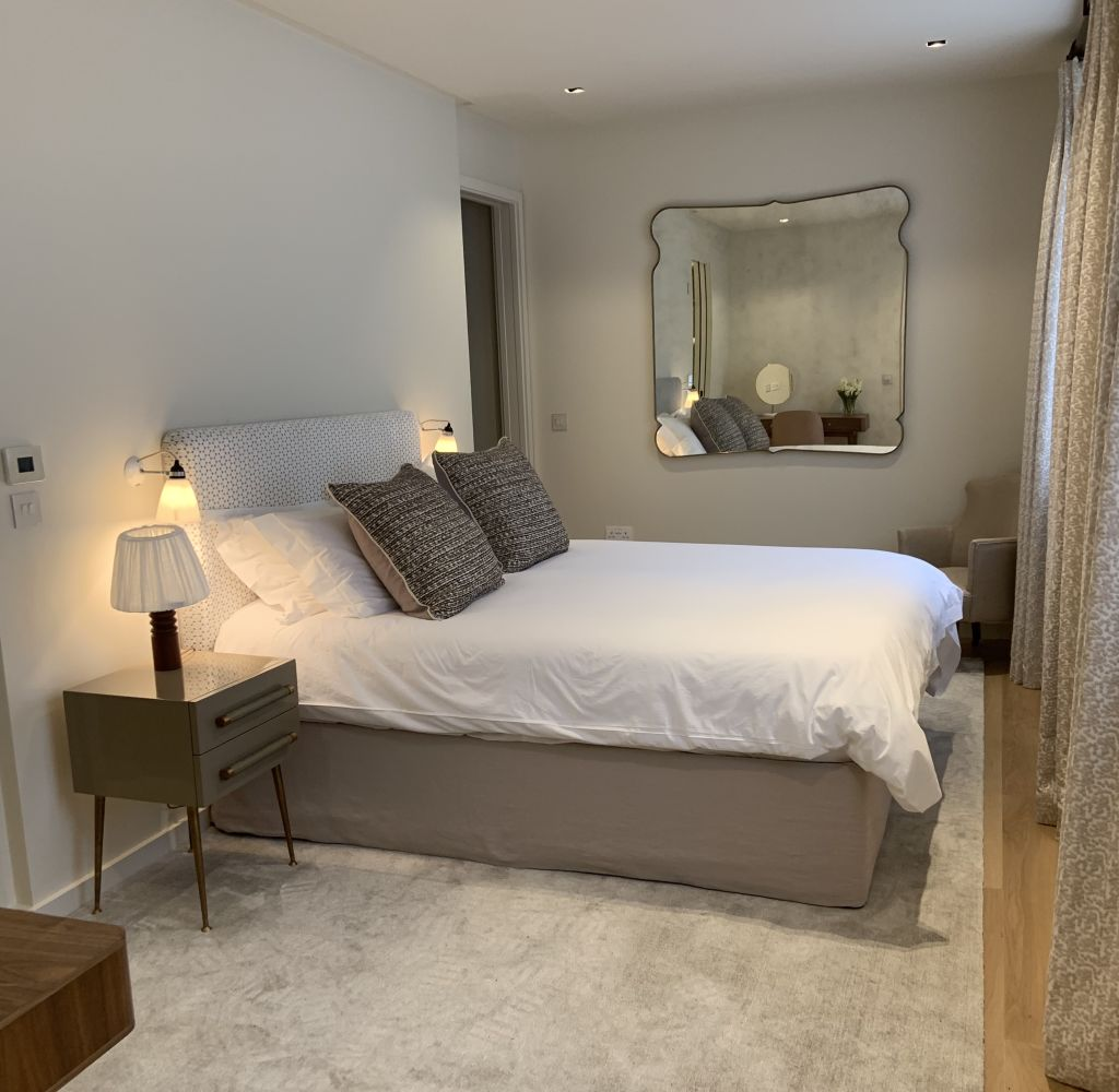 image 8 furnished 3 bedroom Apartment for rent in Earls Court, Kensington Chelsea