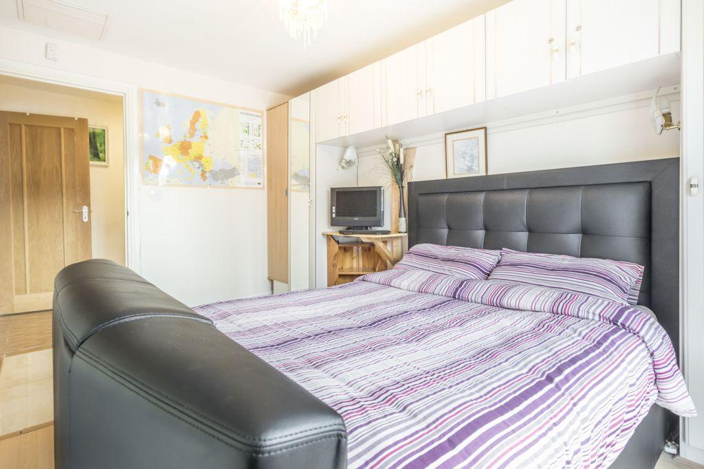 image 10 furnished 1 bedroom Apartment for rent in Colindale, Barnet