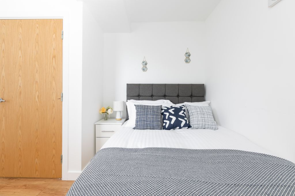 image 9 furnished 2 bedroom Apartment for rent in Enfield Town, Enfield