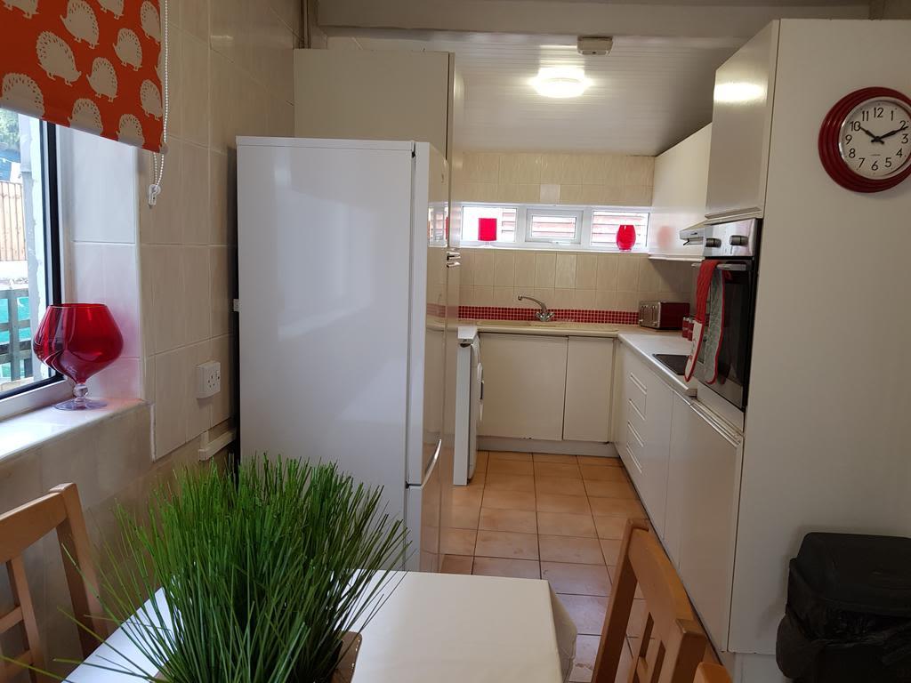 image 6 furnished 2 bedroom Apartment for rent in Gedling, Nottinghamshire