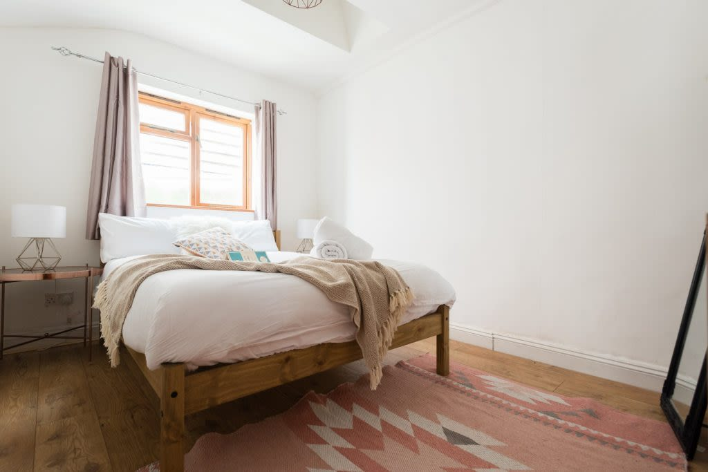 image 9 furnished 5 bedroom Apartment for rent in Bath and North East, Somerset