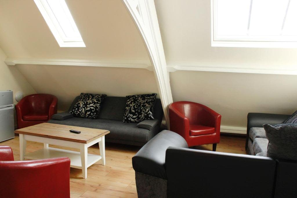 image 1 furnished 2 bedroom Apartment for rent in Kingston upon Hull, East Riding
