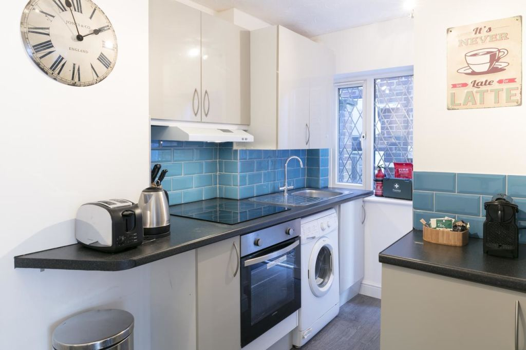 image 2 furnished 1 bedroom Apartment for rent in South Cambridgeshire, Cambridgeshire