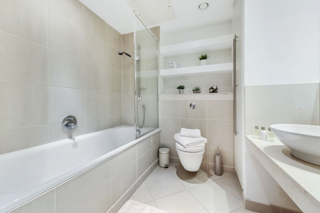 image 8 furnished 2 bedroom Apartment for rent in Canary Wharf, Tower Hamlets