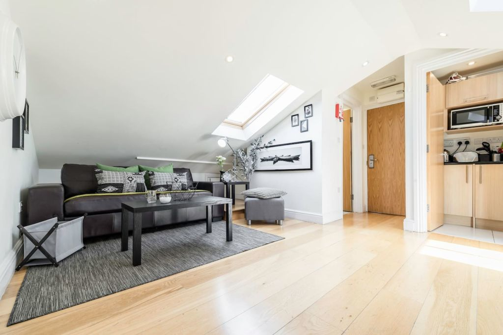 image 2 furnished 1 bedroom Apartment for rent in Hampstead, Camden