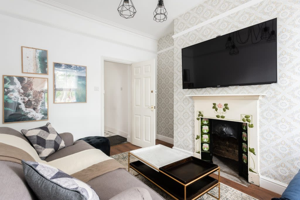 image 3 furnished 4 bedroom Apartment for rent in Cambridge, Cambridgeshire
