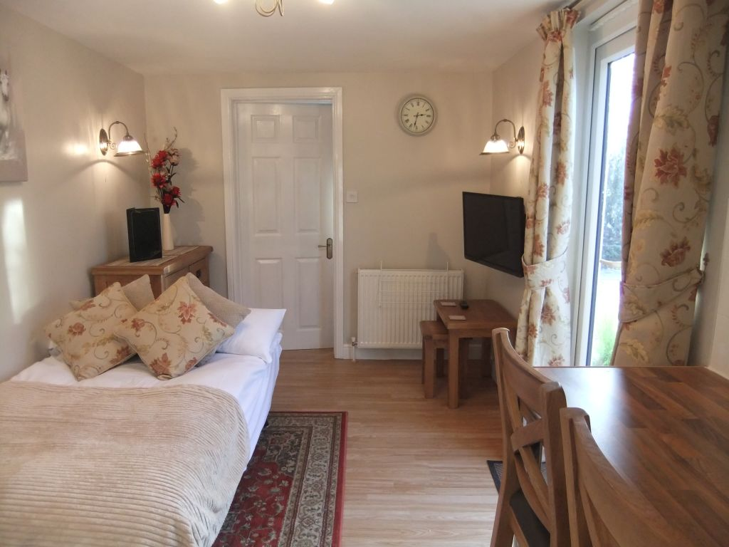 image 5 furnished 1 bedroom Apartment for rent in Windsor and Maidenhead, Berkshire