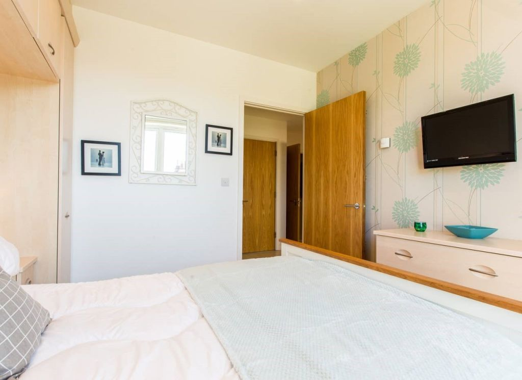 image 10 furnished 3 bedroom Apartment for rent in Brighton - Hove, East Sussex