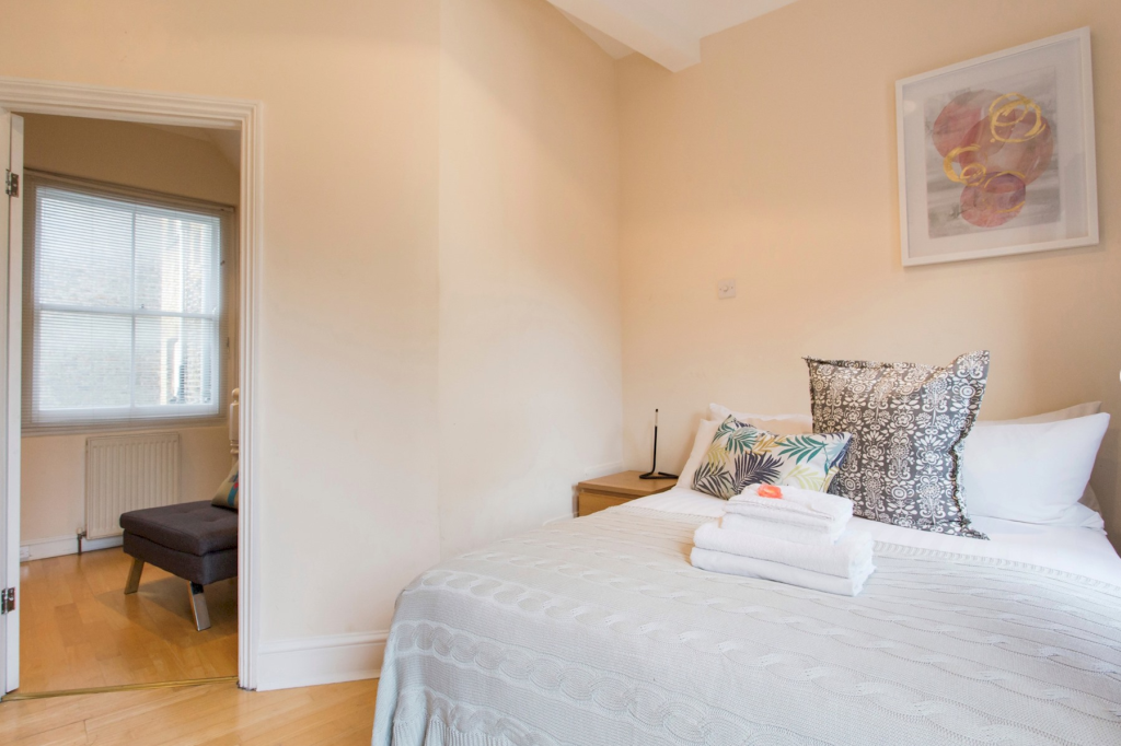 image 5 furnished 2 bedroom Apartment for rent in Spitalfields, Tower Hamlets