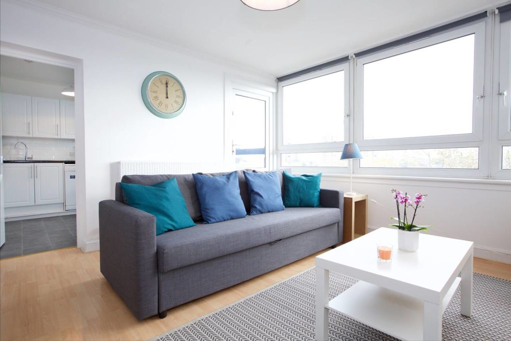 image 3 furnished 3 bedroom Apartment for rent in Newington, Southwark