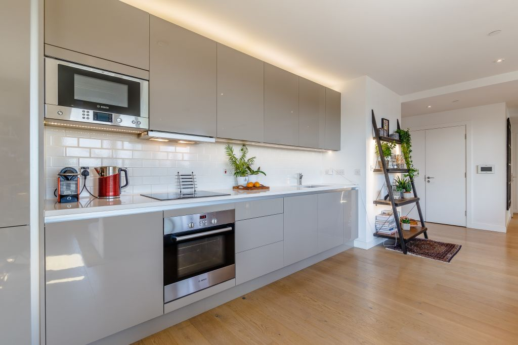 image 9 furnished 2 bedroom Apartment for rent in Walworth, Southwark