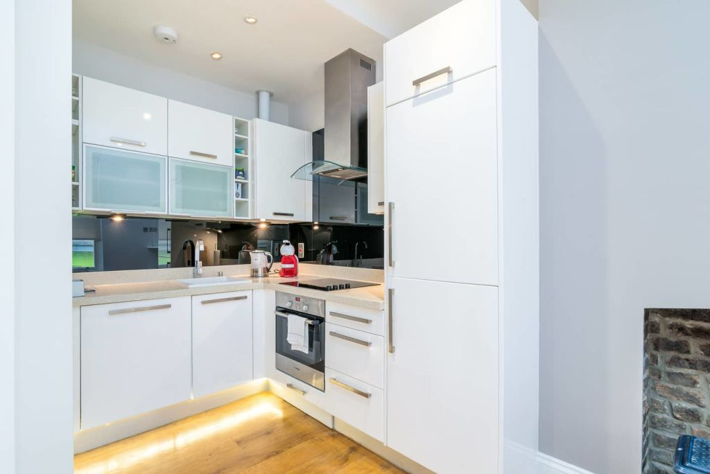 image 4 furnished 2 bedroom Apartment for rent in Dalston, Hackney