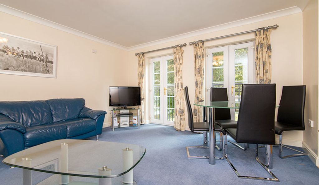 image 2 furnished 2 bedroom Apartment for rent in Stockport, Greater Manchester