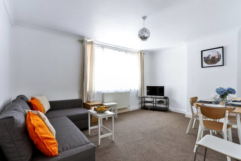 image 3 furnished 2 bedroom Apartment for rent in Edmonton, Enfield