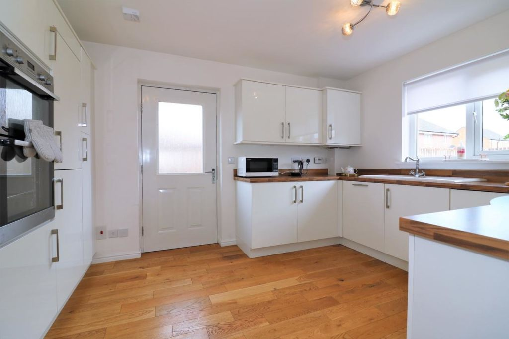 image 6 furnished 4 bedroom Apartment for rent in Glasgow, Scotland
