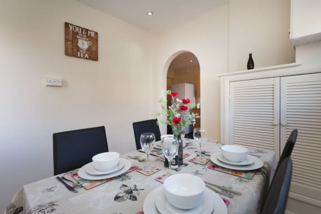 image 7 furnished 3 bedroom Apartment for rent in Charnwood, Leicestershire