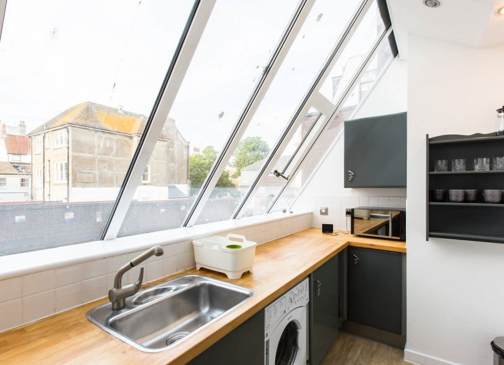 image 8 furnished 2 bedroom Apartment for rent in Brighton - Hove, East Sussex