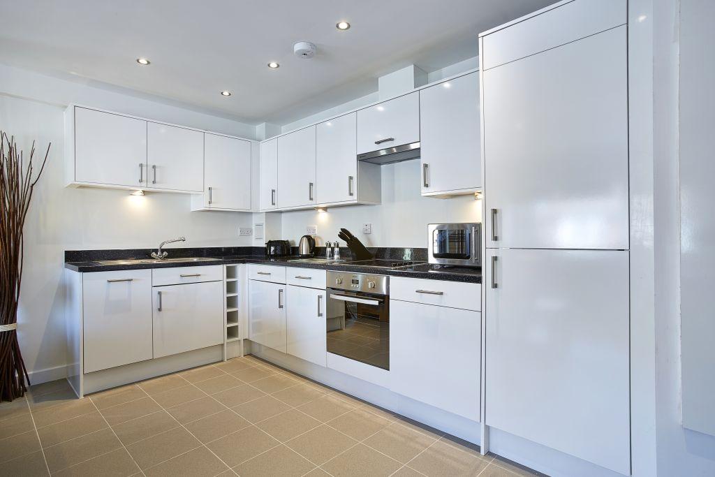 image 3 furnished 1 bedroom Apartment for rent in Spelthorne, Surrey